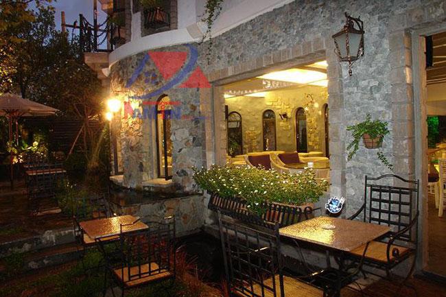 trang trí quán cà phê sân vườn 3