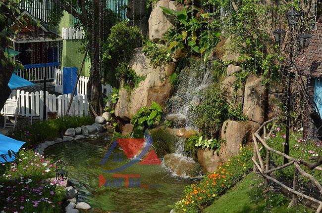 trang trí quán cà phê sân vườn7